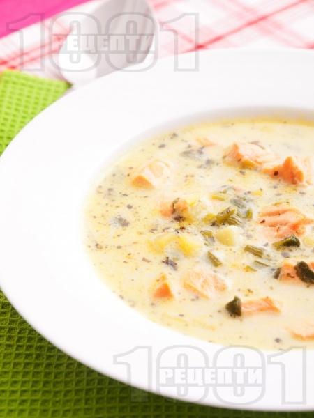 Картофена супа със сьомга и сметана - снимка на рецептата